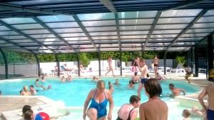 La piscine agréable par tous les temps