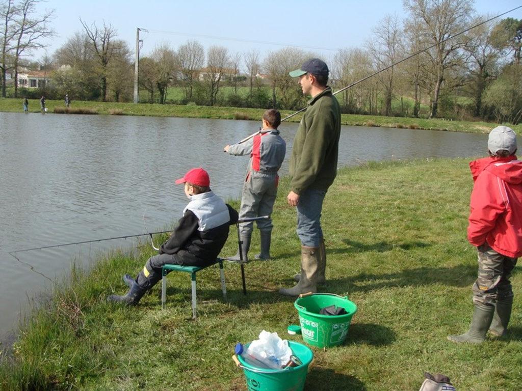 Le film la pêche de lac et les filles