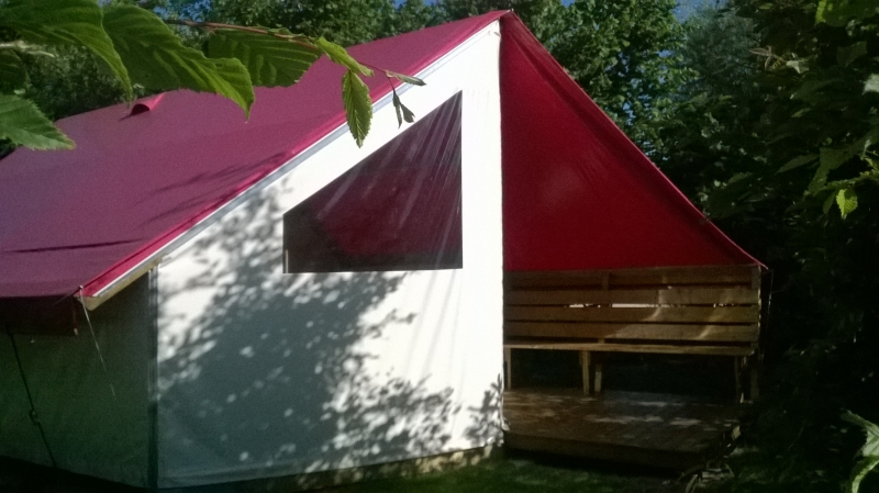 Location tente aménagée camping vendee