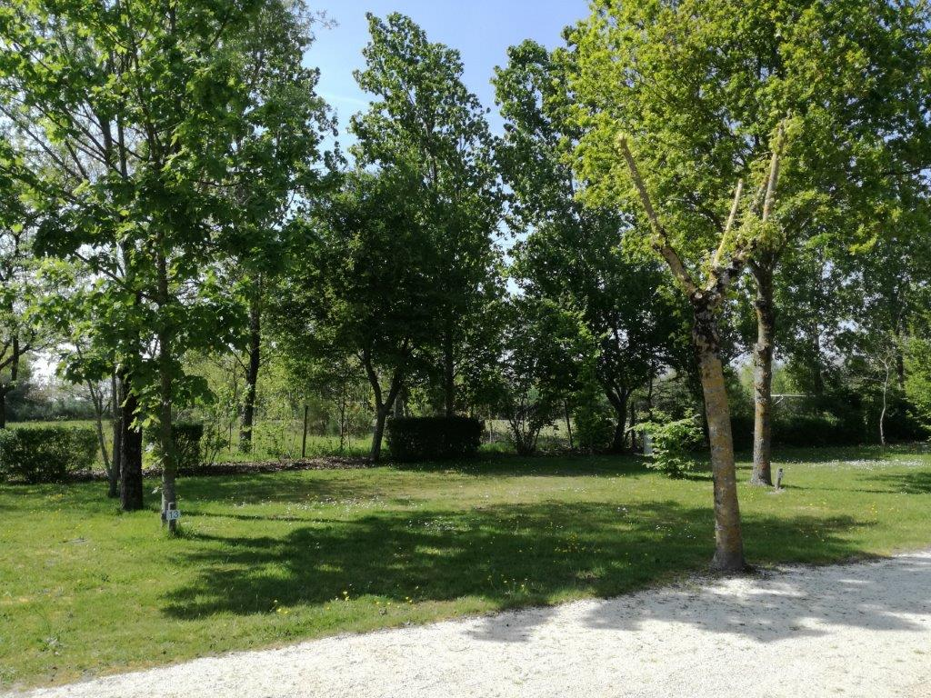 emplacement camping proche plage