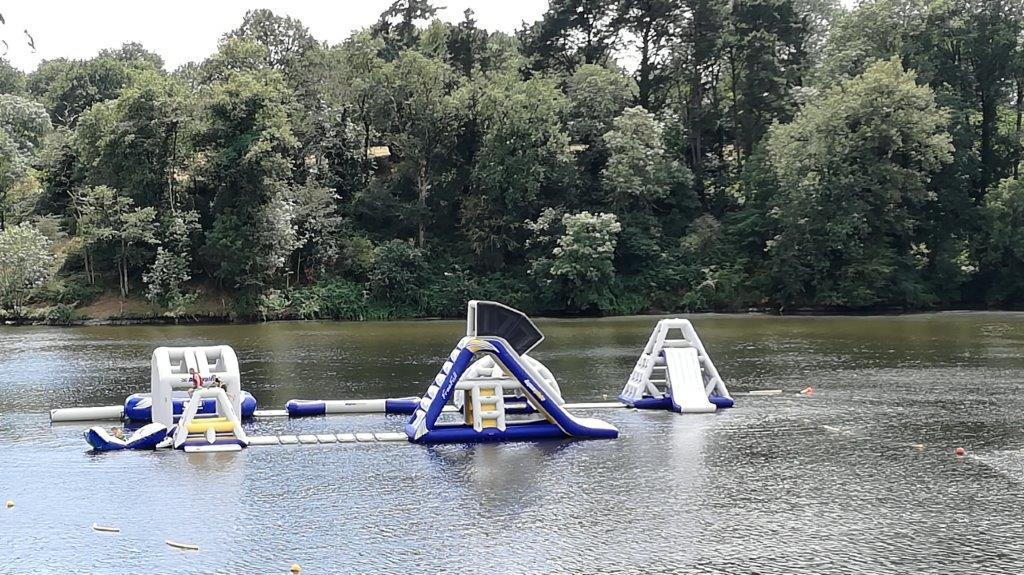 jeux au lac près du camping