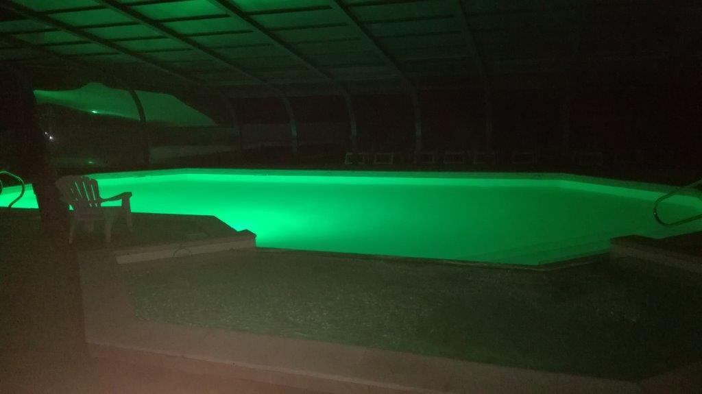 soirée à la piscine du camping