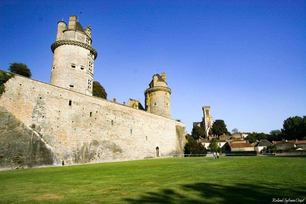 camping proche chateau Apremont